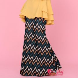 Printed Skirt – Green Chevron
